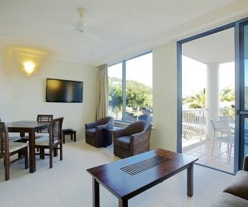 Airlie-Beach-Accommodation-1