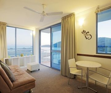 Airlie-Beach-Accommodation-2
