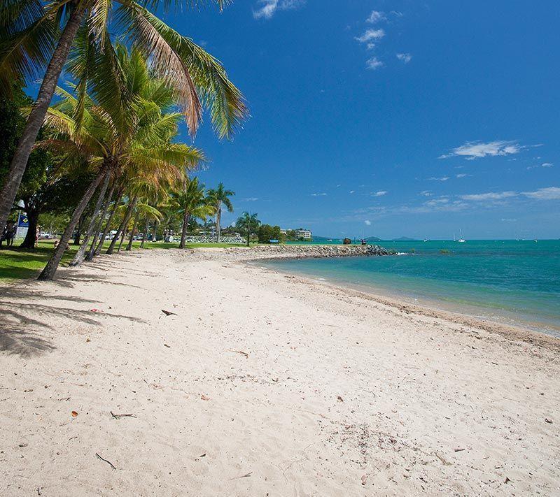 airlie-beach